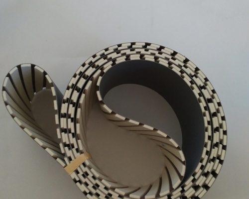 bande à lamelles étroites