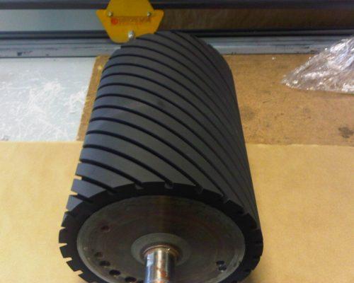 cylindre de ponçage regarni caoutchouc
